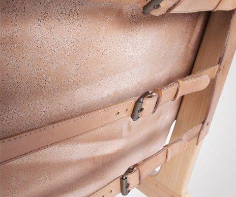 Fauteuil lounge cuir et bois BUCKLE