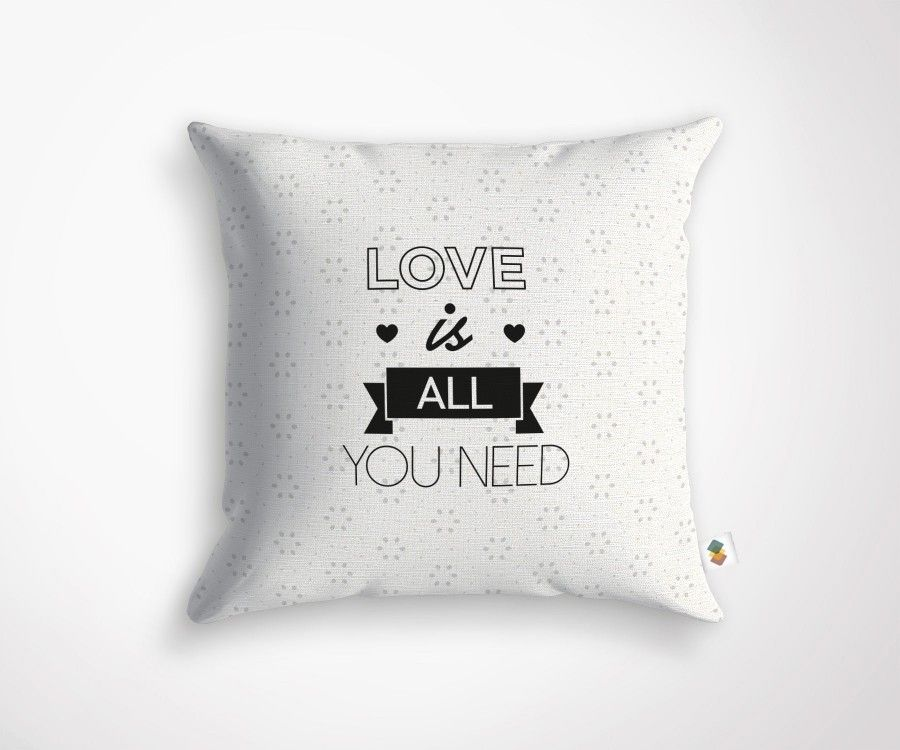 Coussin LOVE IS ALL YOU NEED - 45x45cm