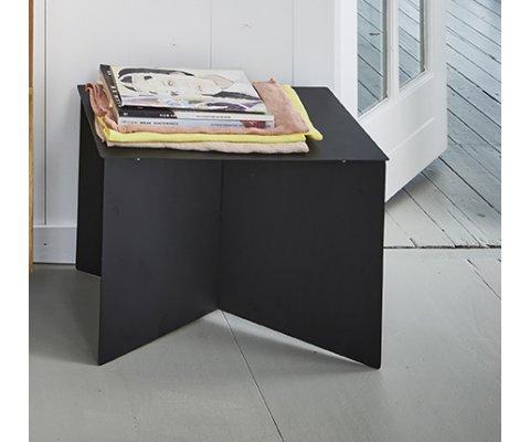 Table d'appoint contemporaine en métal noir ARTY