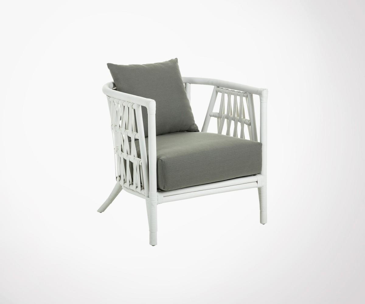 fauteuil rotin blanc avec coussins style moderne bohème